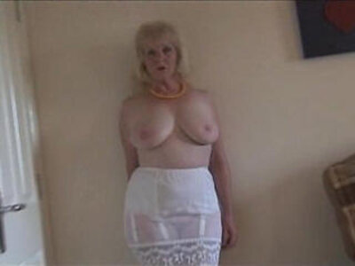 busty  lady  mature  shaved   porn video